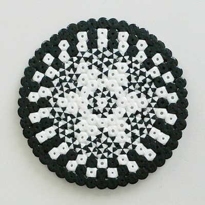 hama_beads_midi_bicolor_blanco_negro