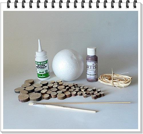 Materiales bola decoarada con madera